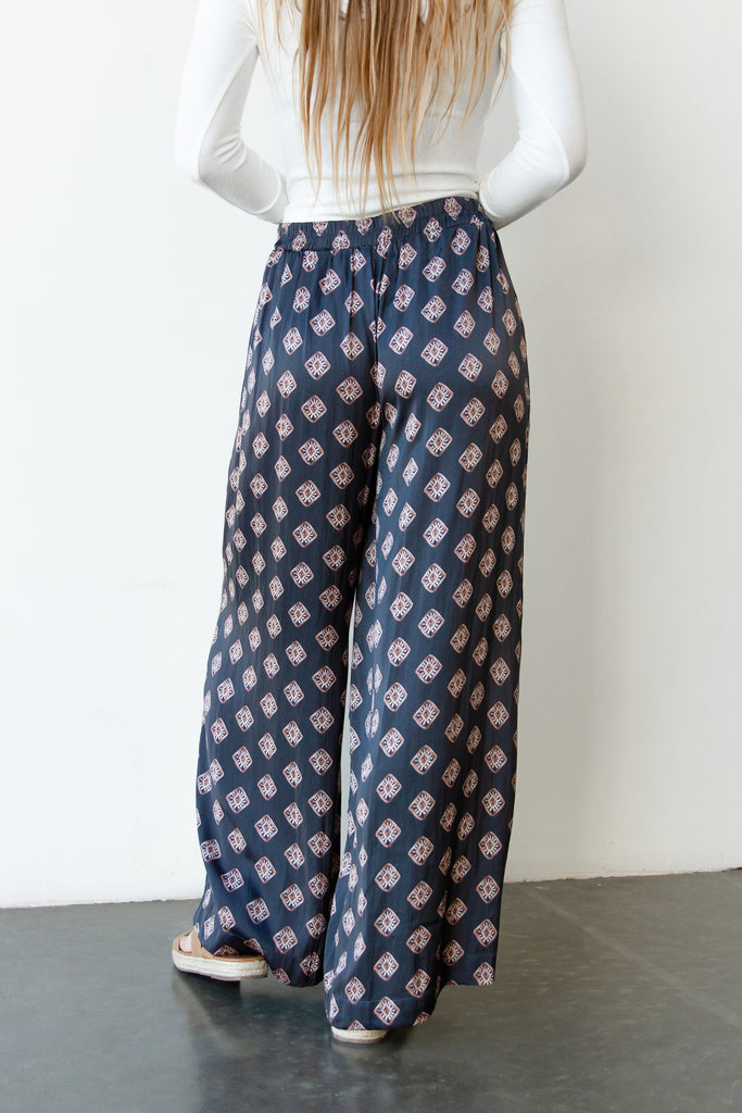 square design satin flowy pants
