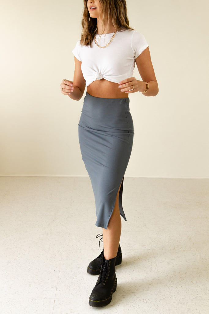 charcoal ribbed midi skirt with side slit