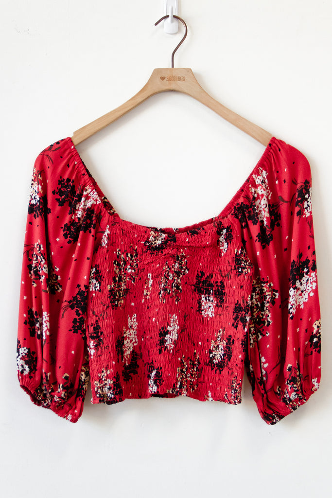 Share The Moment Floral Crop Top