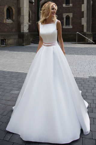 A-Line Sleeveless Long Ivory Pleated Prom Dress,Backless Bateau Satin Wedding Dresses UK PH337