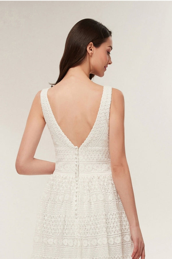 V-Neck Sleeveless Open Back A-Line Lace Ivory Sweep Trailing Wedding Dress Y9509