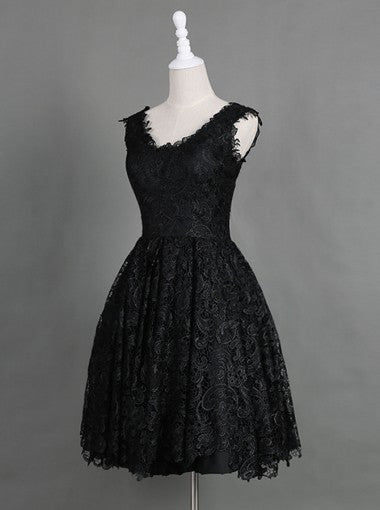Classic Scoop Sleeveless Knee-Length Black Lace Homecoming Dresses PM460
