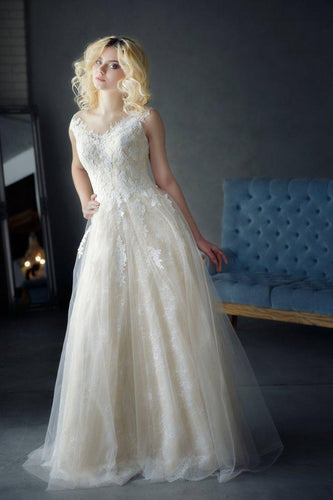 A Line Tulle Ivory Sweetheart Lace Wedding Dresses Appliques Wedding Gowns PW502