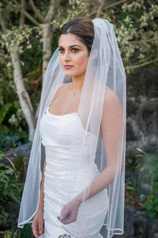 products/Cheap_1_Tier_Fingertip_Length_Wedding_Veil_with_Ribbon_Trim_Edge_Simple_Wedding_Veils_V02-3.jpg