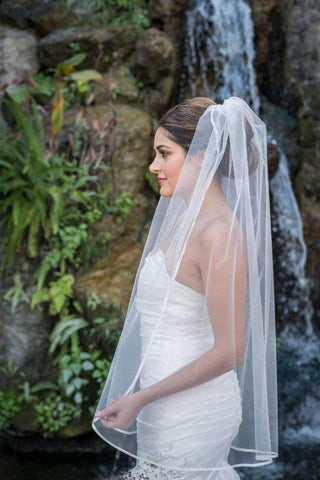products/Cheap_1_Tier_Fingertip_Length_Wedding_Veil_with_Ribbon_Trim_Edge_Simple_Wedding_Veils_V02.jpg