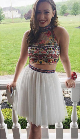 products/Cute_High_Neck_Two_Pieces_White_Embroidery_Homecoming_Dresses_with_Open_Back_H1038-3.jpg
