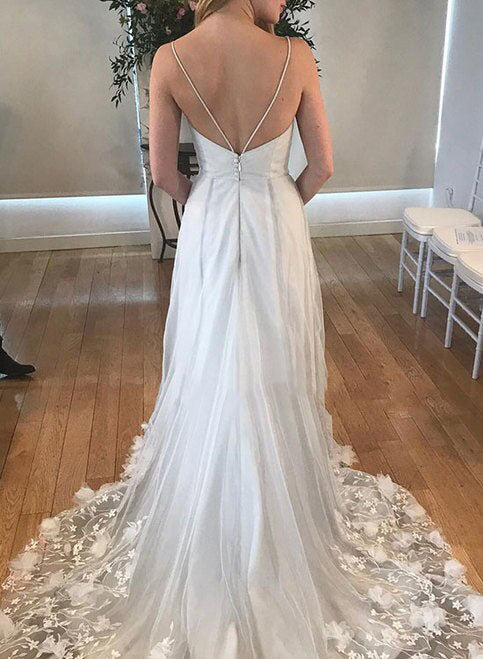 Grey V Neck Spaghetti Straps Beach Wedding Dresses Backless Tulle Appliques Bridal Dress W1047