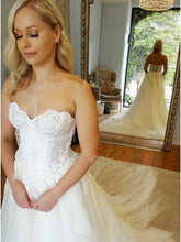 A-Line Sweetheart Strapless Lace Tulle White Sleeveless Wedding Dress with Appliques PH398
