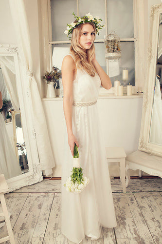 A-Line Ivory Lace Sleeveless V-Neck Vintage V-Back Tulle Floor Length Cheap Wedding Dresses UK PH279