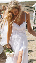 Beach Simple Casual White Tulle A-line Princess V neck Spaghetti Straps Wedding Dress PM136