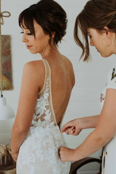 Elegant Mermaid Lace Appliques Straps V Neck Ivory Wedding Dresses, Beach Wedding Gowns W1219