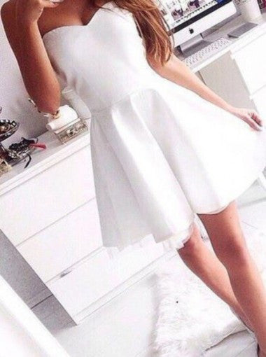 Modern A-line Sweetheart Mini Satin White Bridesmaid Dress/Homecoming Dress PM476