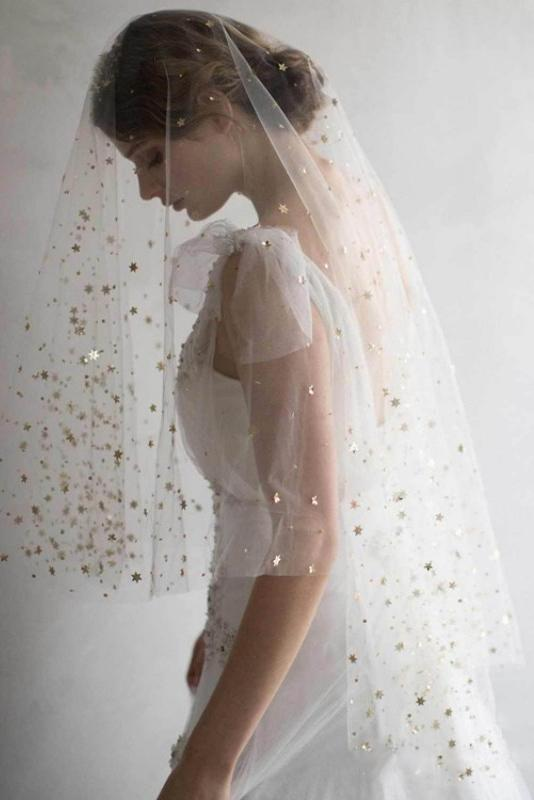Elegant Short Sequins Tulle Wedding Veils with Stars W1240