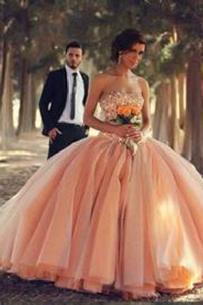 Blush Pink Tulle Ball Gown Sweetheart Bridal Gowns With Rhinestones Quinceanera Dresses PH89