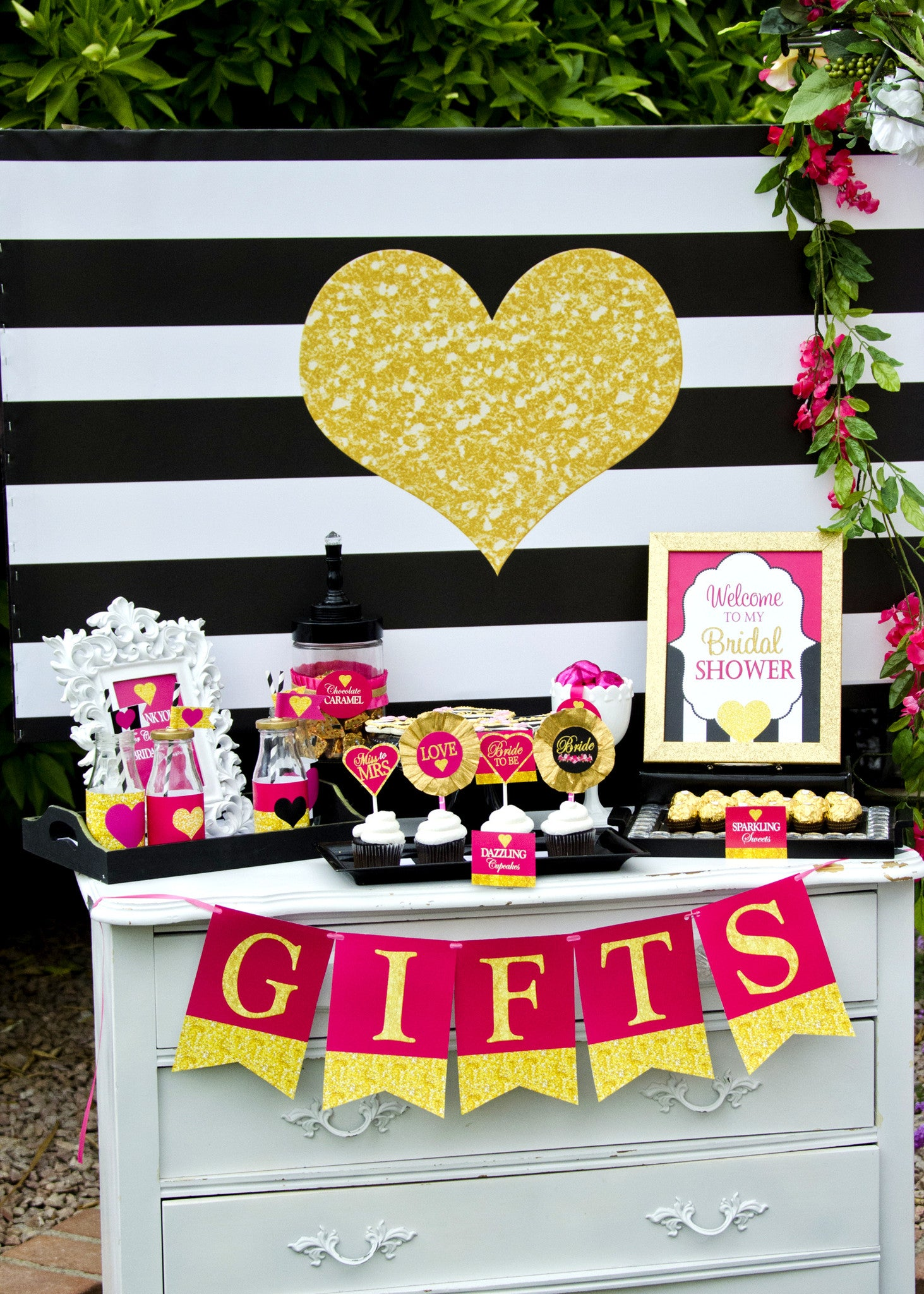Gold Heart BACKDROP - Black and White Stripe