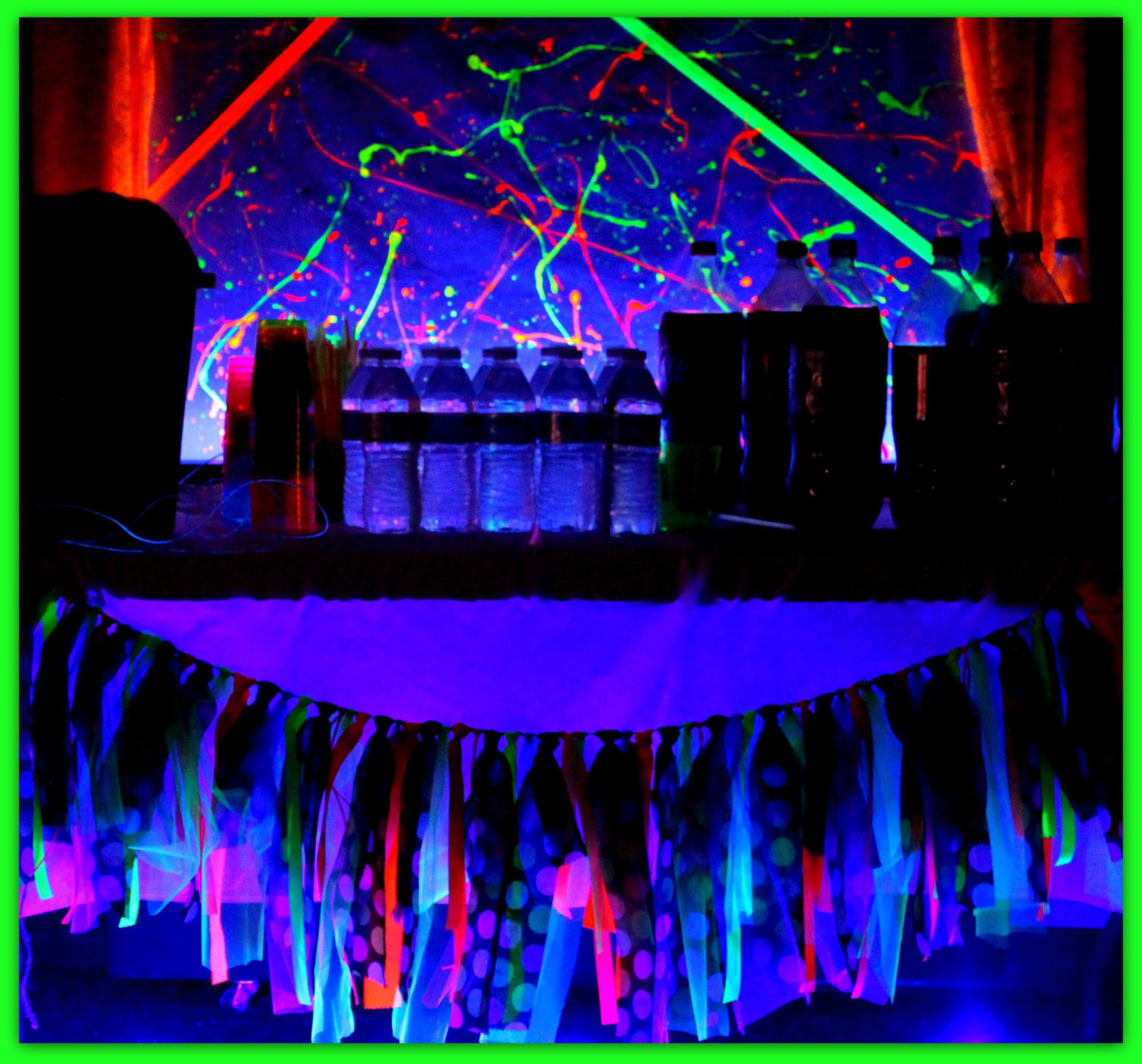 NEON PARTY- Diva Party- Rock Star Party- Neon BOTTLE LABELS- GLOW
