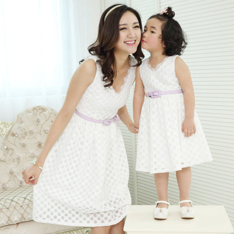 Lace Mother Daughter V Neck Party Dresses (Pink or White)