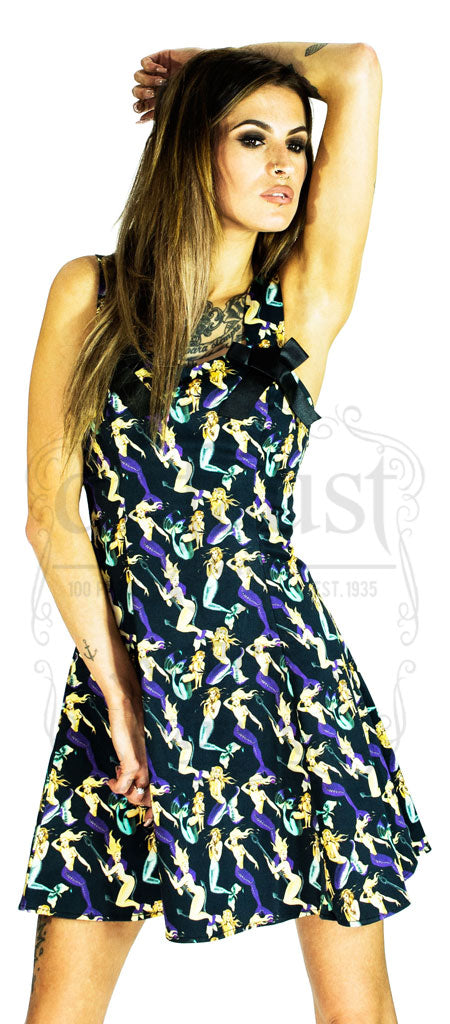 Dramatic Anchor Hugging Mermaid Print Black Dress