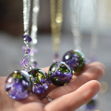 Load image into Gallery viewer, real flower necklace, purple Sea Lavender necklace with amethyst