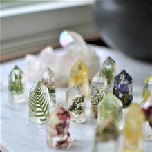 Load image into Gallery viewer, Handmade mini floral crystal - set of 6 psc
