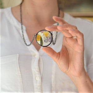 * Unique terrarium style necklace features home grown and locally sourced daisies, violas, ferns and queen anne's lace - carefully arranged into Summer bouquet for you to enjoy forever!  * Flowers are pressed and dehydrated to preserve the natural shape and color, then carefully set in a glass in a stained glass technique.