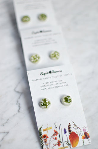 Moss stud earrings