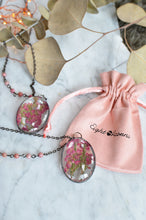 Load image into Gallery viewer, Pink heather flower glass pendant