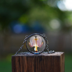 Eternal Summer botanical necklace - Pressed Bleeding heart