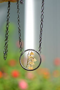 Eternal Summer botanical necklace - Pressed Lilly of the valley