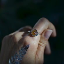 Load image into Gallery viewer, Raw Yellow Citrine silver ring