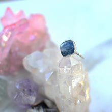 Load image into Gallery viewer, Blue Kyanite silver ring