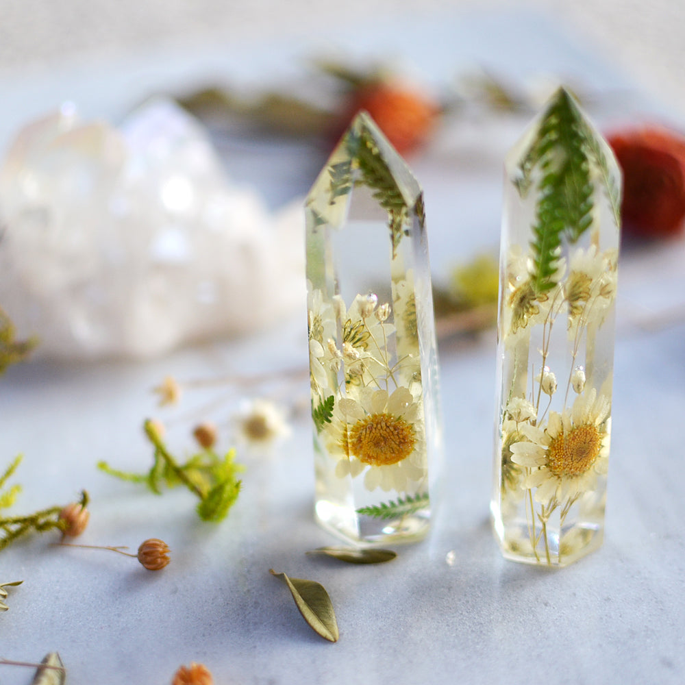 Daisy natural crystal point, resin crystal, quartz crystal