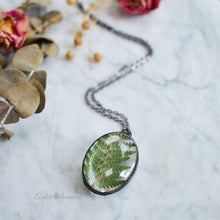 Load image into Gallery viewer, Cinnamon Fern leaf, Oval pendant, terrarium jewelry
