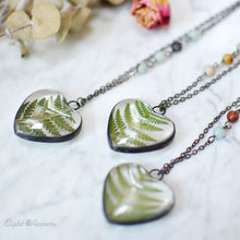Load image into Gallery viewer, Cinnamon Fern leaf, Heart pendant, terrarium jewelry