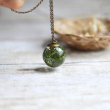 "Load image into Gallery viewer, (Wholesale) Moss necklace large sphere, 25"" bronze"