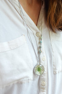 Buttercup/Queen Anne's Lace round pendant, Real flower keepsake