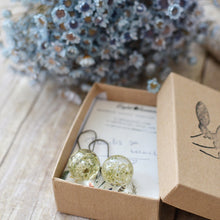 Load image into Gallery viewer, Real preserved Queens' Anne's Lace flowers are encased in the clear jewelry grade resin.