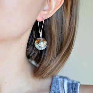 (Wholesale) Real daisy sphere earrings