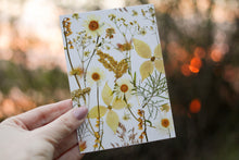 Load image into Gallery viewer, White Flower Mix - Pressed flower collection card