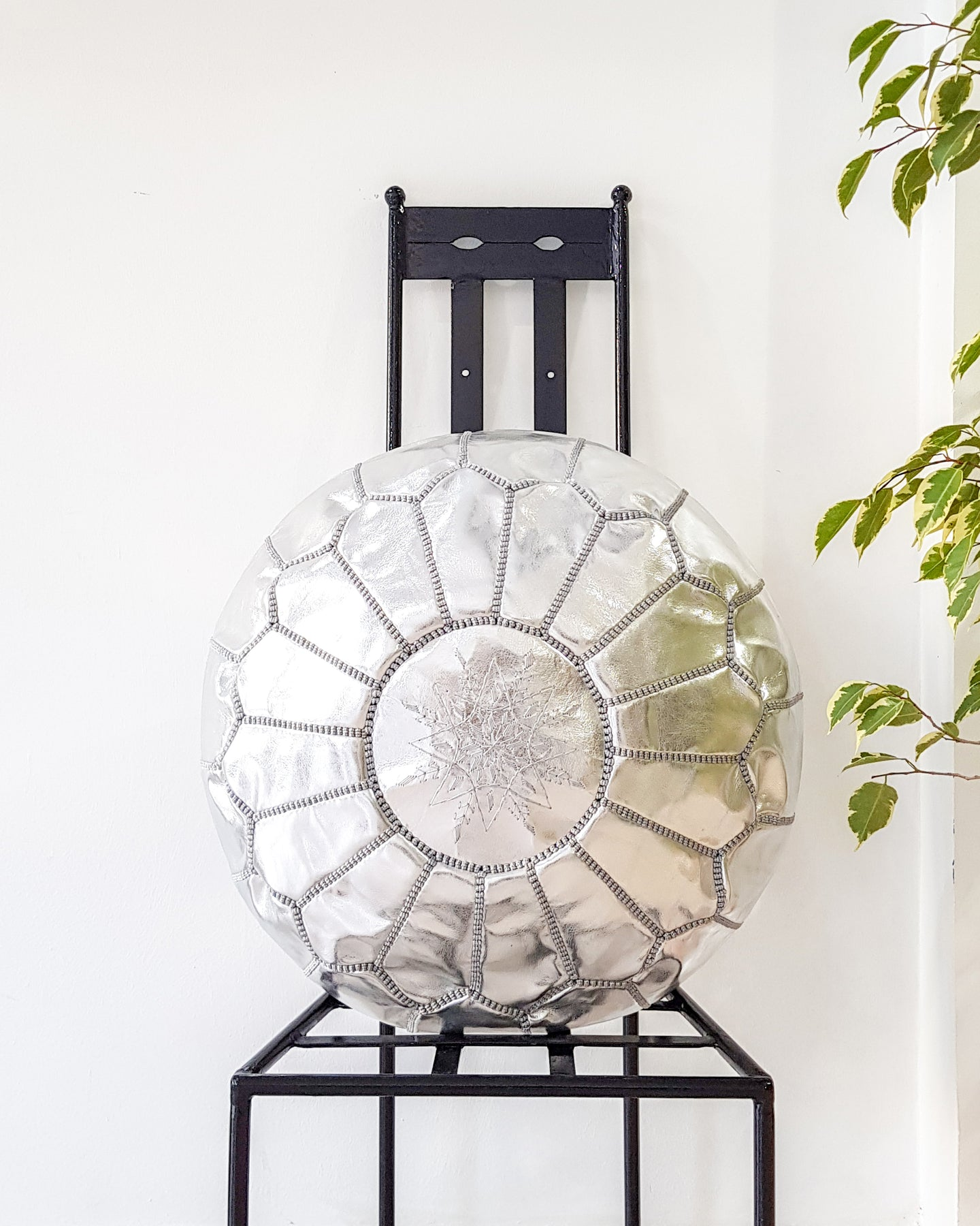 SILVER LEATHER POUF - Milsouls