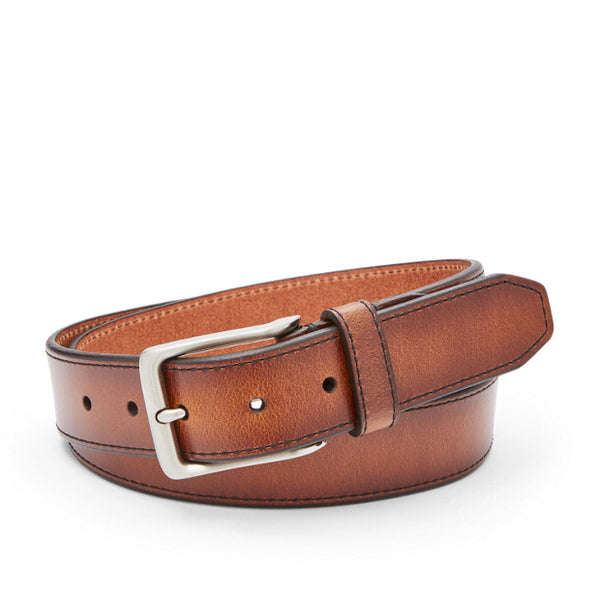 Carson leather belt from Fossil is perfect with your navy pants and shorts. Shop Bennetts Clothing for the styles you want from the brands you love