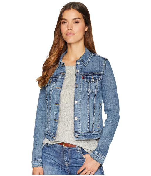 Levi's Original Trucker Denim Jacket for women adds flair to any outfit. Shop Bennetts Clothing for the styles you want from the brands you love.