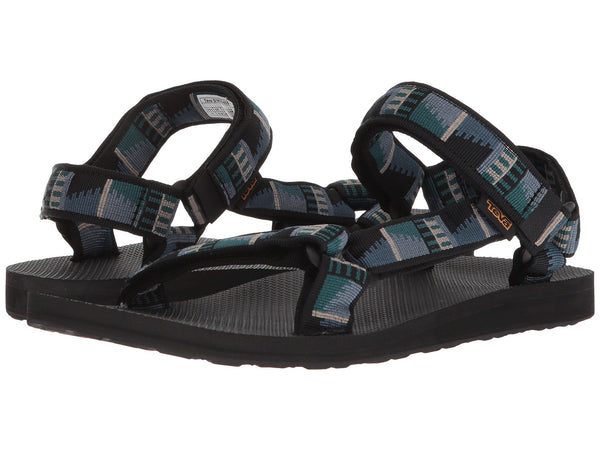 Teva Mens Original Universal sandal will be as comfortable at the end of the trail as the beginning. Shop Bennetts Clothing for a large selection of sandals from the brands you love.