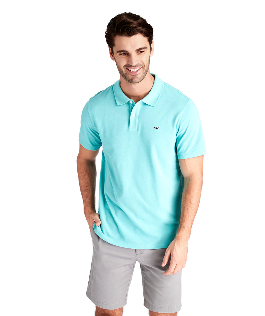 Vineyard Vines Stretch Cotton Pique Polo has easy on-the-go looks when heading to the course. Shop Bennetts Clothing for a large selection of the latest fashions from Vineyard Vines