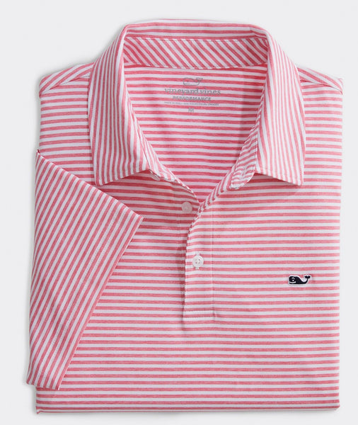 Vineyard Vines Heather Winstead Sankaty Performance Polo has easy on-the-go looks when heading to the course. Shop Bennetts Clothing for a large selection of the latest fashions from Vineyard Vines
