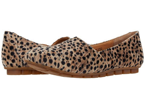Born Leopard Print Sebra slip-on flats have all day comfort with style that sets you apart from the rest. Shop Bennetts Clothing for a large selection of womens sandals with same day shipping