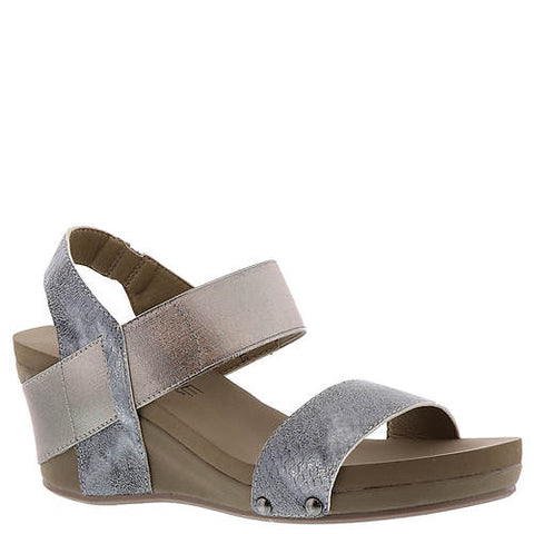 Corkys Wedges adds flare to any outfit -Shop Bennetts Clothing for your cute wedges and get same day shipping