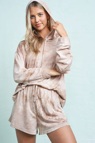 La Miel Tie Dye Hoodie and Short Loungewear set will make for a comfortable and fashionable chill day. Shop Bennett's for a large selection of women's clothing shipped same day to your front door.