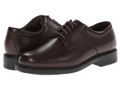 Rockport Margin plain-toe oxford will keep you ready for work or play. Bennetts stocks a large selection of Rockport shoes with same day shipping