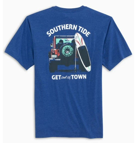 Southern Tide Get Out of Town Holiday T-shirt is for jeep and beach lovers. Shop Bennetts Clothing for a large selection of name brand menswear shipped same day.